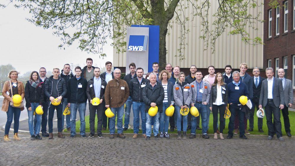 Teilnehmer/-innen BDSV-Seminar Stahlrecycling 03. April 2017 beim Weltmarktführer für differenziert gehärtete Shredderhämmer, der Stahlwerke Bochum GmbH